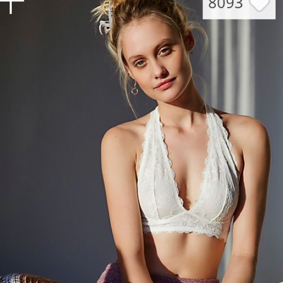 cac1fcf015b22 NWT Free People Galloon Lace Halter Bralette